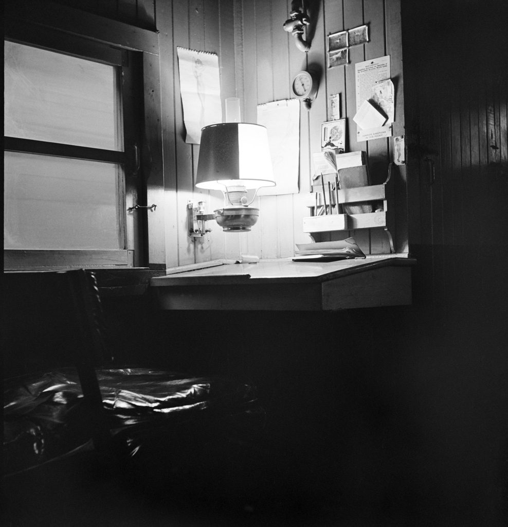 IHB Caboose Conductor's Desk