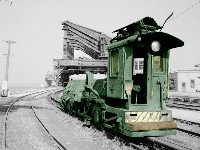 Locomotive used to move cars at Hulett unloader