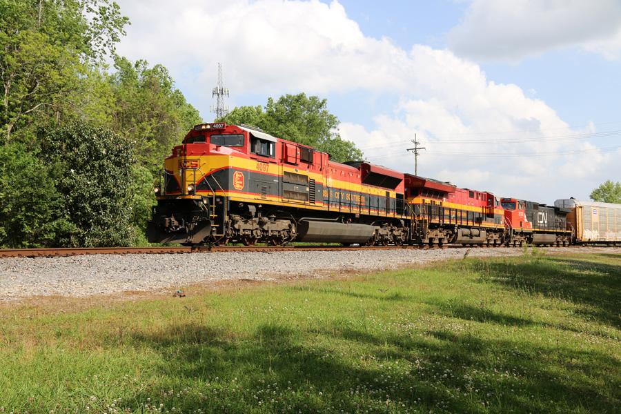 CN M301 approaching, Hammond, LA