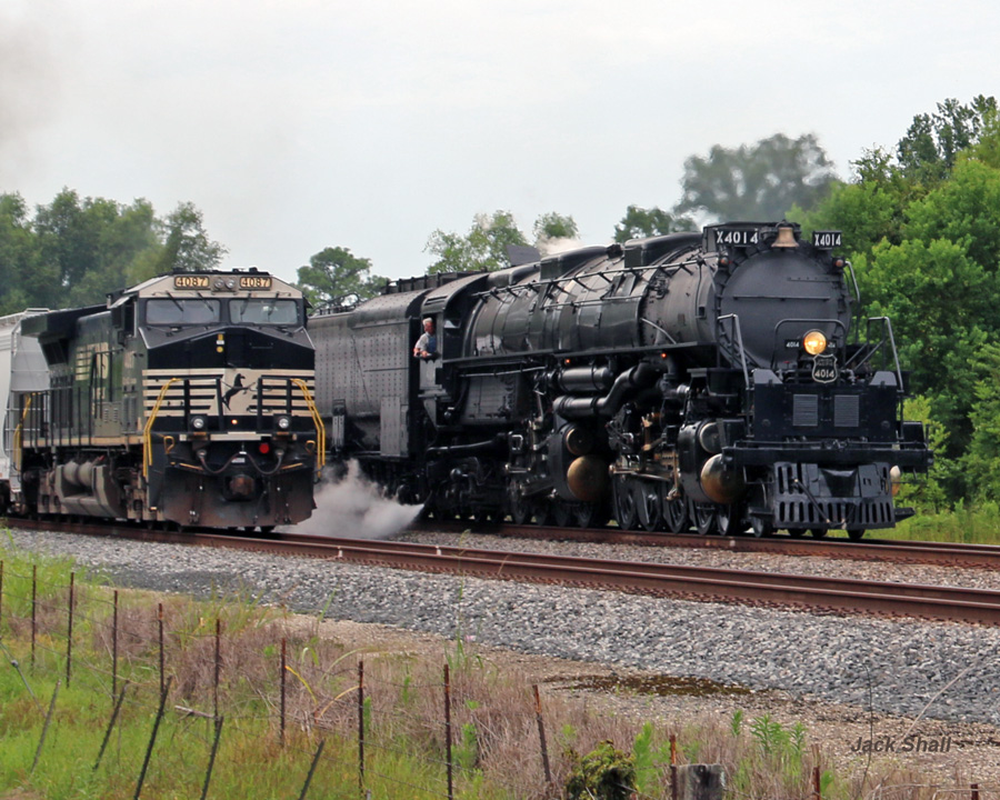 UP Big Boy #4014 Passing a Freight