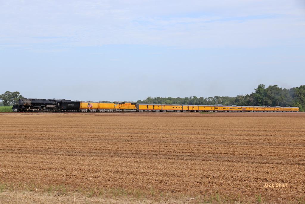 UP Big Boy #4014 With Train